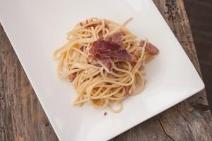 spaghettoni speck brie