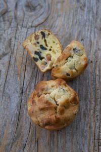 muffin prosciutto cotto, olive nere e ricotta